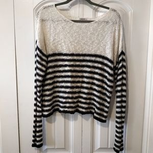 Cropped crochet striped black white long sleeve
